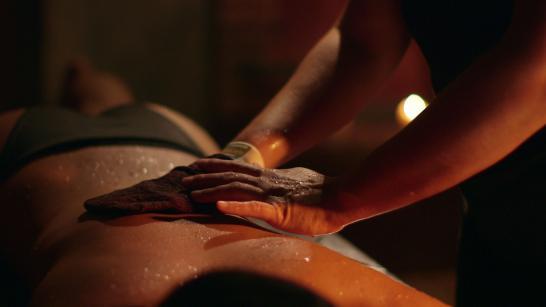 Hammam Les Cent Ciels Strasbourg - Massage du corps (55m)